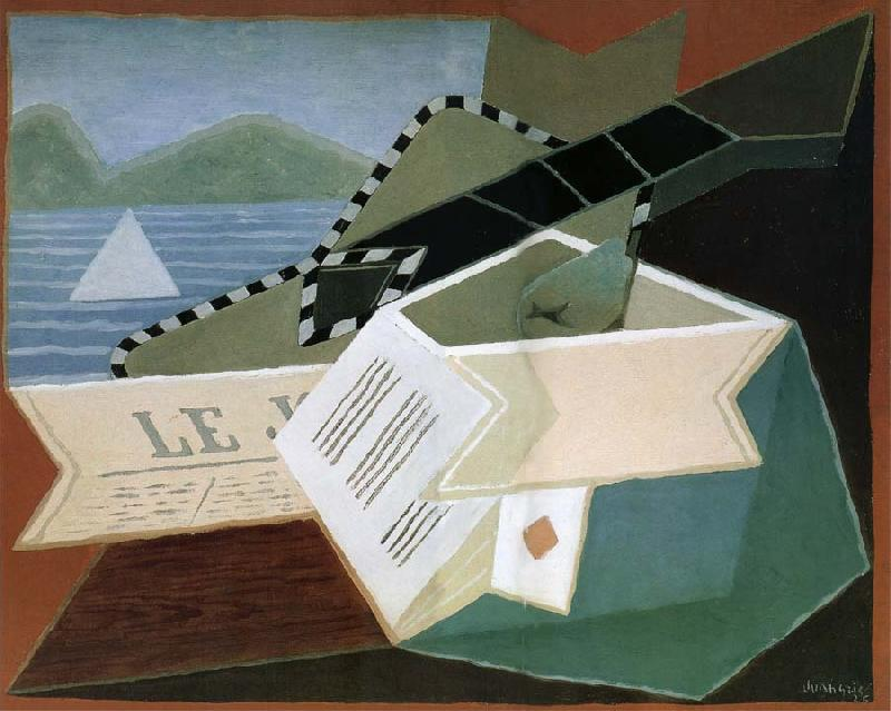 Juan Gris Guitar in front of the sea